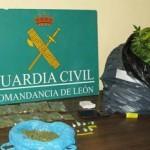 Parte de los efectos incautados por los efectivos de la Guardia Civil. / Foto: SDG