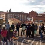 Parada de la ronda de los mayos en la cuesta del Túnel, ante la escena dedicada a 'La Pitina'.