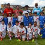 Los equipos que llegaron a la final (San Lorenzo GC10 – Casa Asturias) antes de disputarla. Todo un detalle de deportividad. / Foto: CD La Bañeza - @CD_LB