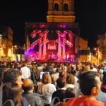 El concierto de la orquesta Gaudí abrió las noches festivas de La Bañeza.