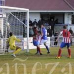 El gol de La Bañeza FC no fue suficiente para llevarse los puntos del derbi leonés.