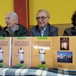 Francisca Cenador, José Fernández García-Rueda, Martín Manceñido y Maribel Martínez, durante la presentación del libro del autor bañezano.