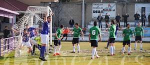 El primer gol de la tarde de La Bañeza FC ya marcó el resto del encuentro ante el CD San José.