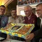 La tarta conmemorativa fue uno de los momentos más especiales de la jornada.