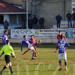 La Bañeza FC y el filial del Numancia durante el encuentro.