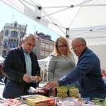 Palazuelo, Silván y Gallego visitan uno de los stands, el de Juguetería Toy Store.