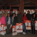 Integrantes de la lista de Ciudadanos, ante su nueva sede electoral de campaña.