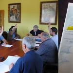 Momento de la constitución del Ayuntamiento de Villamontán y documento firmado.