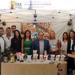 Los representantes institucionales se hicieron una foto en el stand de la IGP Alubia de La Bañeza-León.