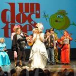 La Charra cantó a Roxanna Panero el popular tema 'Hermosa Bañezanita'.