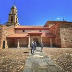 Exterior de la iglesia de San Esteban en Alija del Infantado.